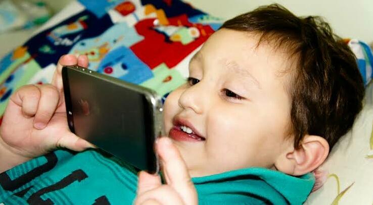 6+ Bahaya Gadget Bagi Anak yang Perlu Anda Waspadai 2