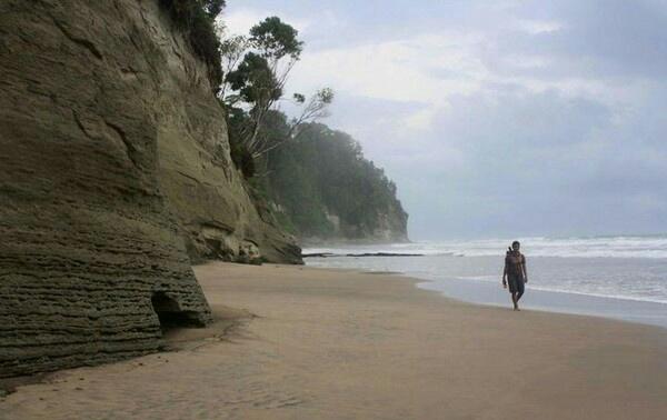 4 Tempat Wisata Pantai di Mentawai yang Menjadi Buruan Peselancar 3