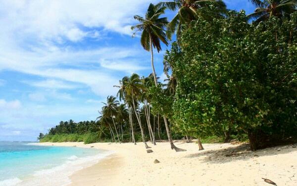 4 Tempat Wisata Pantai di Mentawai yang Menjadi Buruan Peselancar 2