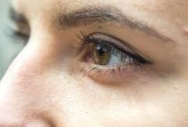 5+ Manfaat Menggunakan Kacamata Hitam yang Luar Biasa 4